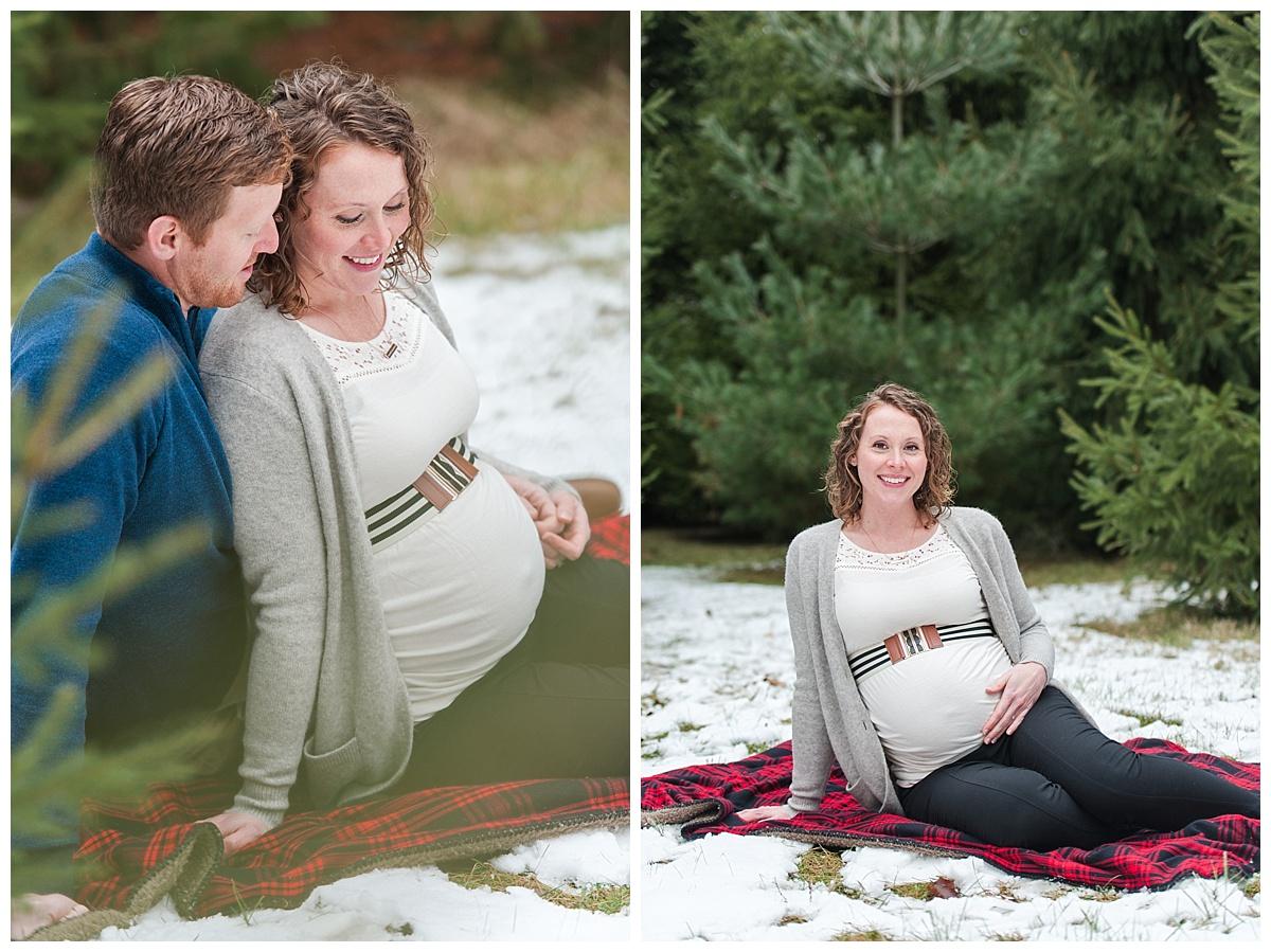 evergreen Christmas maternity photography_0182