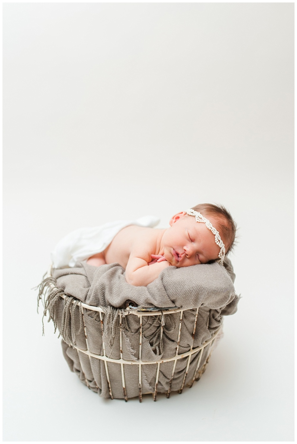 Fort Wayne newborn photographer Columbia City_0138