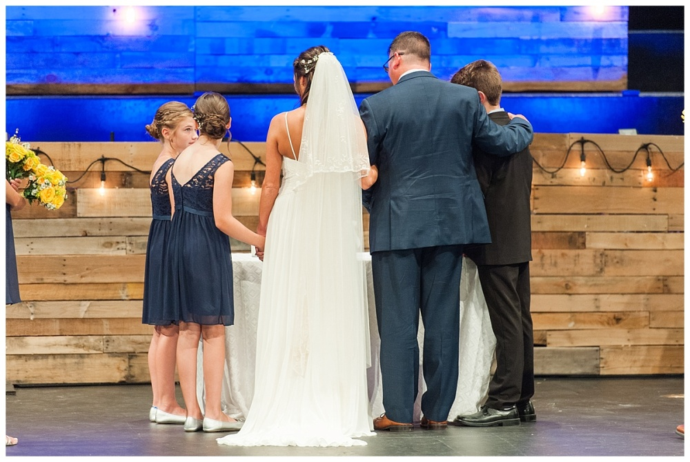 Fort Wayne wedding photographer Memorial Coliseum_0155
